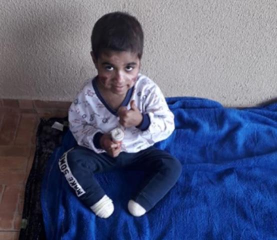 Família faz rifa beneficente para tratamento de criança de 4 anos que teve pés amputados