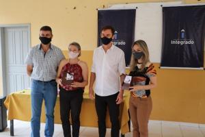 Dia do Professor com entrega de brindes aos profissionais de Campo Mourão