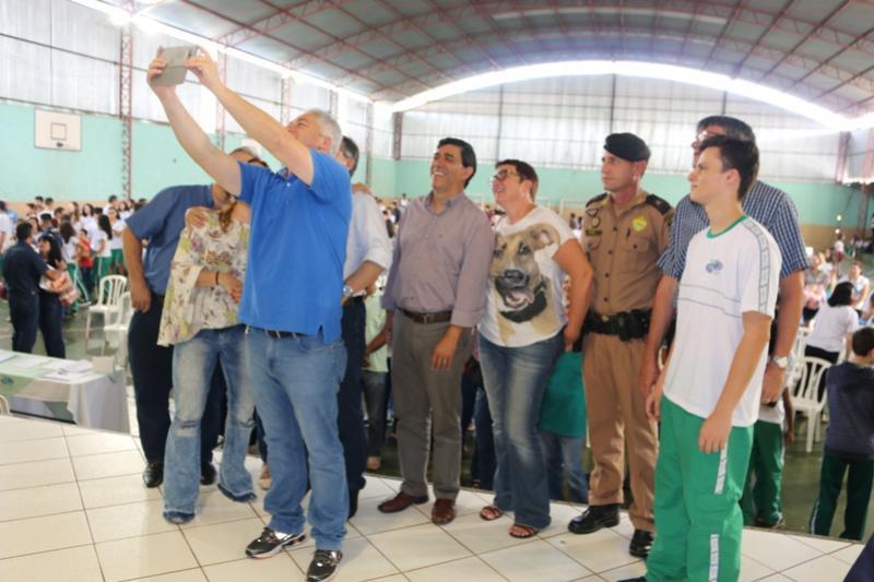 Secretário Douglas Fabrício inaugura  Arena Multiuso Esportiva em Campo Mourão