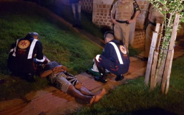 Ladrão é flagrado por morador furtando casa, apanha até ficar inconsciente e é preso em Campo Mourão