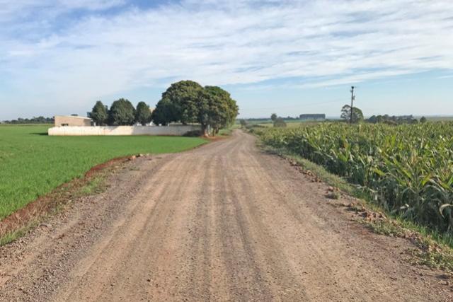 Melhorias em Estradas Rurais concluídas no Barreiro das Frutas no município de Campo Mourão