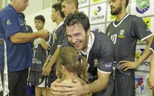 Campo Mourão fica com o vice masculino no Paranaense de Handebol