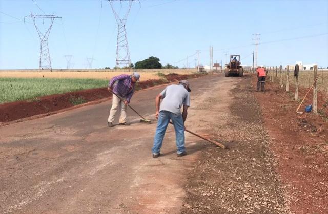 Recape da Estrada do Barreiro das Frutas em Campo Mourão continua sendo realizado