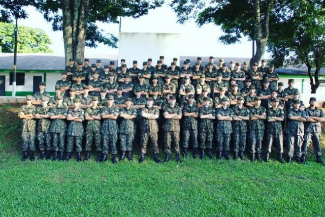 Formatura do Tiro de Guerra no Dia do Exército em Campo Mourão