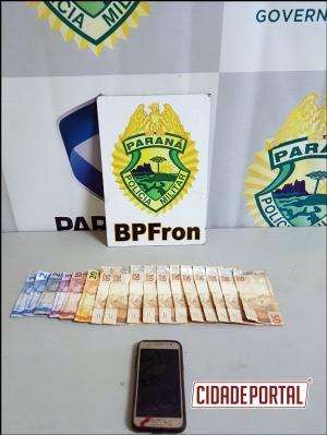 Duas pessoas são presos pelo BPFRON com dinheiro e arma em caminhonete roubada em Campo Mourão