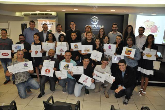 Programa Brasil Empreendedor atende jovens do Lar Paraná em C. Mourão