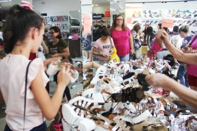 Neste sábado, 21, Lojas de Campo mourão estarão com horário especial