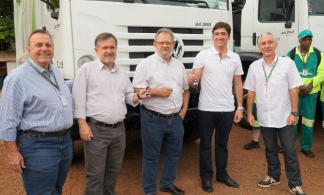 Seleta de Campo Mourão adquiriu novos caminhões para a coleta urbana do lixo