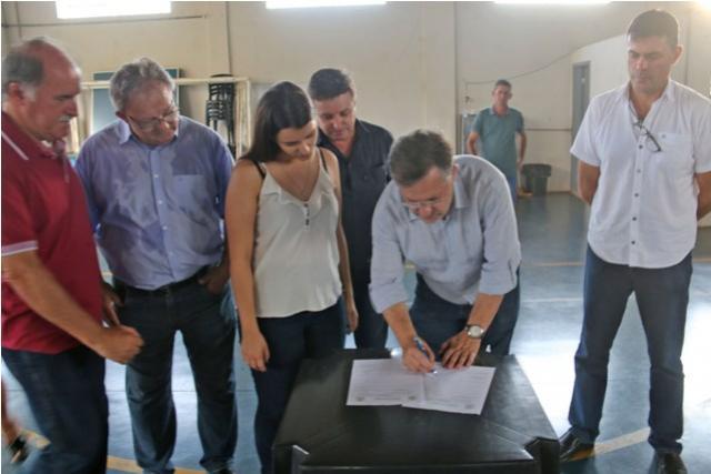 Assinado contrato para reforma no Centro da Juventude do Fortunato Perdoncini de Campo Mourão