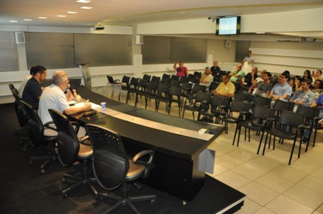Calendário para a nova CCT foi discutido por comerciantes de Campo Mourão