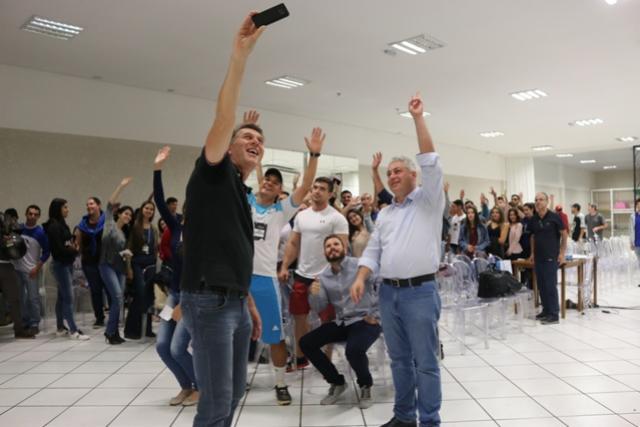 CONCEPAR 2018  Douglas Fabrício proferiu palestra para estudantes de Educação Física