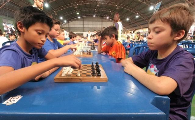 Mais diversão para as crianças nos Jogos Primários de Campo Mourão