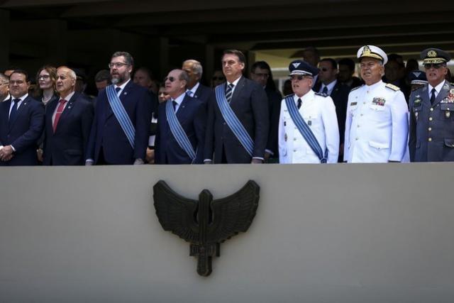 Bolsonaro questiona se óleo no Nordeste foi crime para prejudicar leilão da cessão onerosa