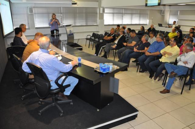 Palestra em C. Mourão sobre trânsito na Acicam teve um bom público
