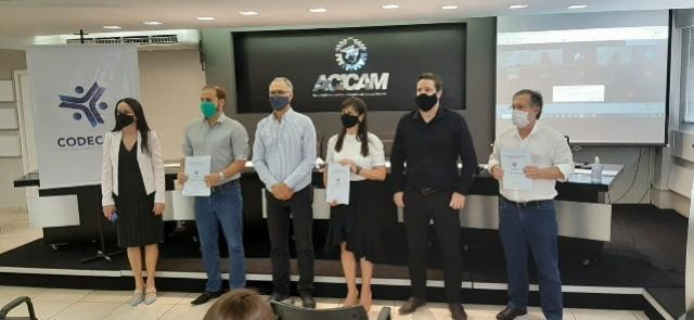 Campo Mourão: Termo de compromisso com o Codecam é firmado pelos candidatos a prefeitura