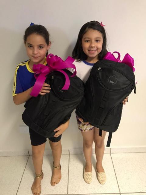 Duas alunas da rede municipal são premiadas em concurso cultural do Instituto Sicoob