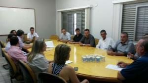 Cohapar apresenta programas habitacionais a prefeitos da COMCAM