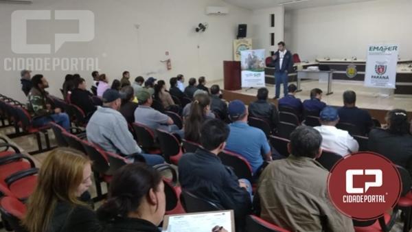 Produtores de leite de Roncador recebem orientação sobre crédito rural e produção de leite limpo