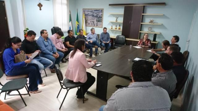 Prefeitura incentiva Avicultura e produção tende a crescer em Roncador