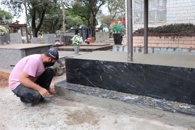 Construções e reformas no Cemitério Municipal de Campo Mourão só até sexta-feira, 22