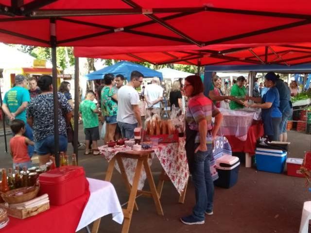 Atrações na praça marcarão 1º ano da Feira da Economia Criativa de Campo Mourão