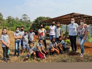 Luiziana, IDR-Paraná e parceiros comemoram Dia da Árvore