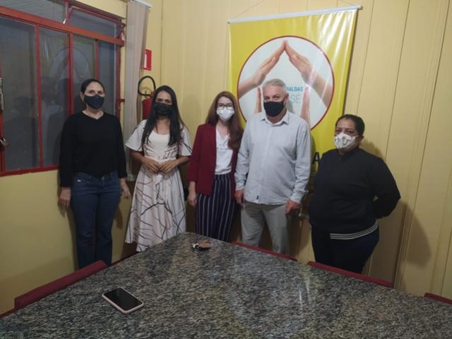 Indústria - Visita a Casa das Fraldas de Campo Mourão pode resultar em parceria