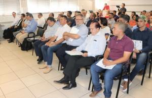 Prefeito Tauillo participa do seminário do Codecam
