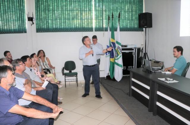 Contrato para pavimentação asfáltica é assinado em Campo Mourão