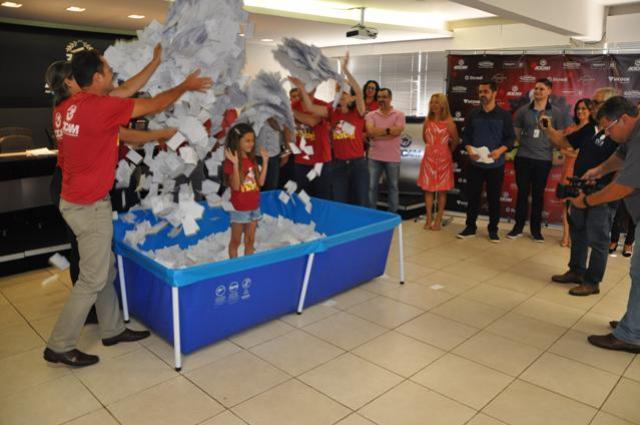 Acicam entrega prêmios da campanha Cidade Natal em Campo Mourão