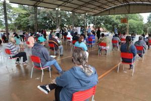 Entrega de escrituras marca dia histórico na Vila Guarujá em Campo Mourão