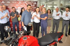 Consumidores e lojistas de Campo Mourão receberam prêmios da campanha da Acicam