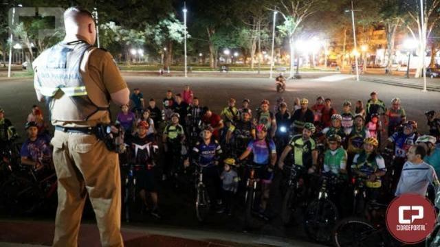 Maio Amarelo: passeio ciclístico noturno reúne cerca de 150 ciclistas em Campo Mourão
