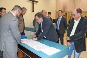Assinada escritura do terreno que vai abrigar novo fórum de Campo Mourão