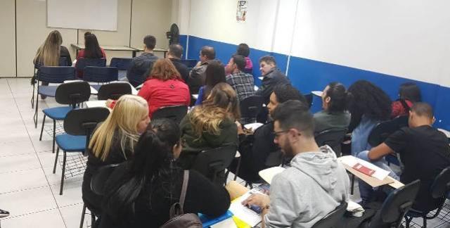 Agência do Trabalhador alerta sobre pontualidade para entrevistas agendadas em Campo Mourão
