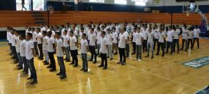 Jovens dispensados do Serviço Militar prestam juramento à Bandeira em Campo Mourão