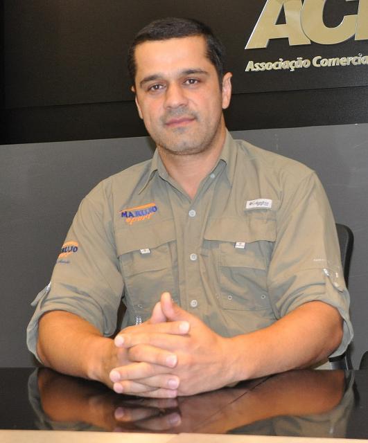 Alcir Rodrigues da Silva vai  receber troféu da Fecomércio