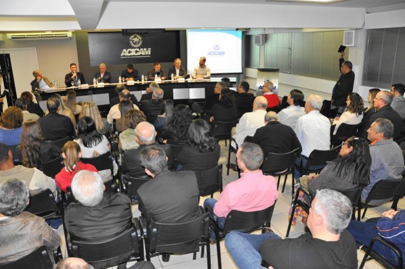 Reunião mensal ordinária da Acicam ficou marcada pela participação de autoridades