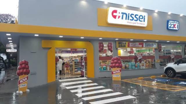 Farmácias Nissei inaugura loja em Campo Mourão