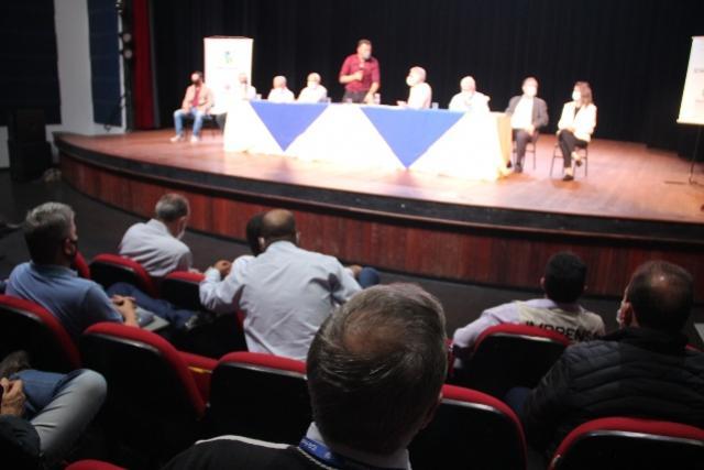Noberto Ortigara lança na Comcam manual para Secretários de Agricultura e fala sobre o Seagri