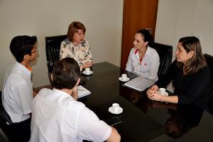 Prefeita de Farol Angela Kraus recebe a visita de representantes da Unitá e Copacol