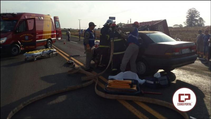 Grave acidente no anel viário de Campo Mourão deixa uma pessoa ferida