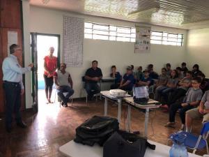 Emater e a prefeitura de Nova Cantu realizam evento sobre dia da arvore e formigas cortadeiras