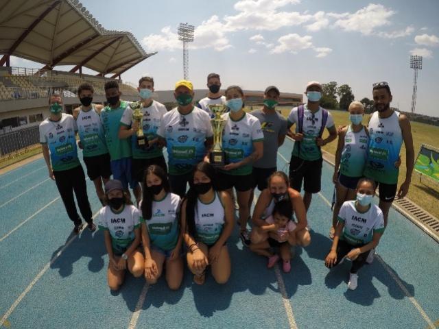 Atletismo de Campo Mourão écampeão geral no Paranaense Adulto