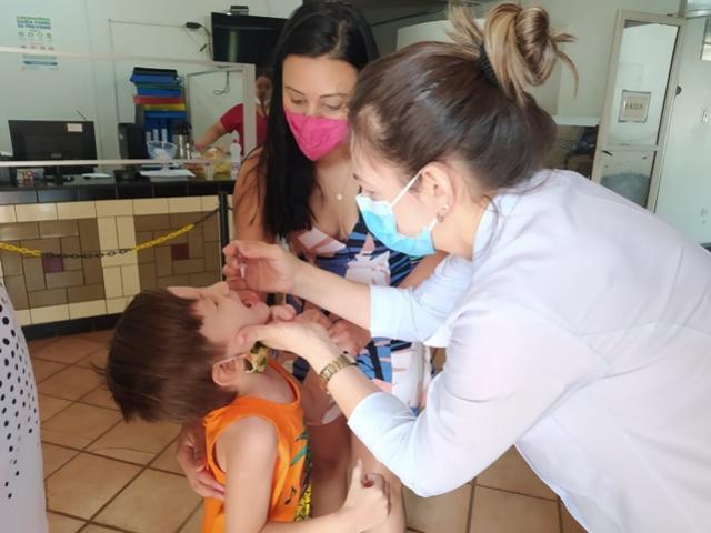 Nove unidades de saúde vão atender vacinação até 20h30 em Campo Mourão na quinta-feira, 29