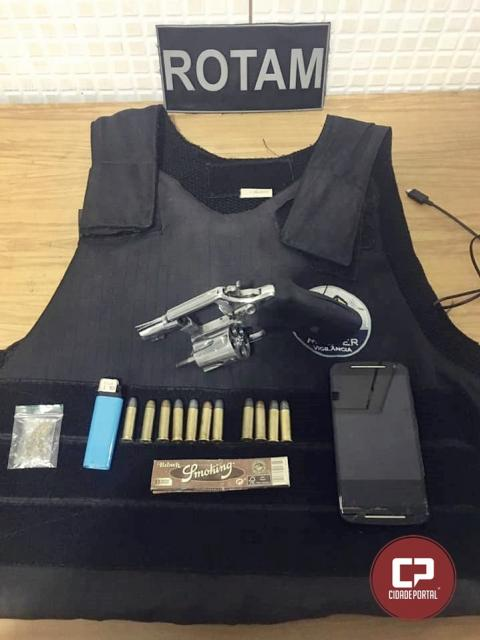 Foragido da justiça é preso pela PM com revólver calibre 38 e colete balístico em Campo Mourão