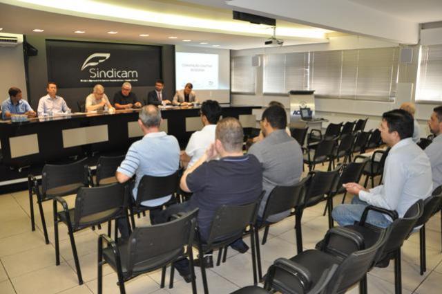 CCT do comércio de Campo Mourão foi tema de reunião com contadores