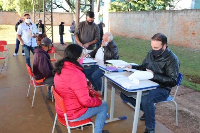 Entrega de documentos de lotes da Vila Guarujá em Campo Mourão será concluída nesta sexta-feira, 29