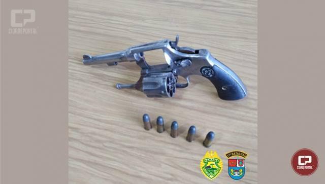 Polícia Militar de Campo Mourão prende homem por porte ilegal de arma de fogo no Jd. Lar Paraná