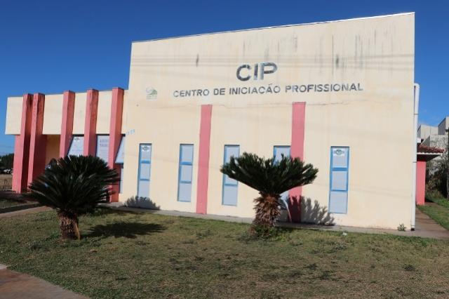 CIP oferece curso para auxiliarde eletricidade predial no SENAI em Campo Mourão